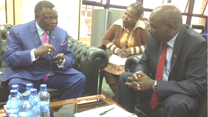 Atwoli pays a courtesy call on the IEBC Chairman Wafula Chebukati at his Offices at Anniversary Towers this morning, 15th, May, 2017.